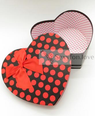 Коробка сердце черная, красный горох (большая)
