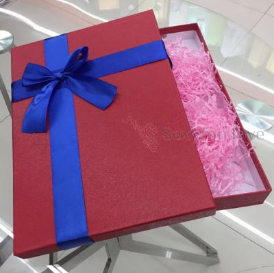 Коробка подарочная, с бантом